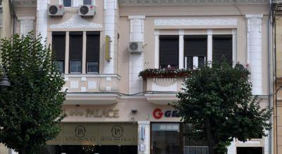 Hotel Palace Turda Situat in Turda, la 30 m de Muzeul de Istorie, Hotelul Palace Turda ofera Wi-Fi gratuit, un depozit de bagaje disponibil gratuit si locuri de parcare gratuite. La 50 m se afla o statie de autobuz. Unitatile de cazare de la Hotelul Palace includ aer conditionat, o baie privata cu dus si un TV cu ecran plat cu canale prin cablu. De asemenea, acestea au podea cu mocheta si beneficiaza de un minibar. La cerere se furnizeaza facilitati de calcat si spalatorie. Oaspetii pot…