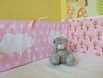 Sztuka dla Sztuki :: Nowości :: Ochraniacz na łóżeczko różowy w grochy i serca