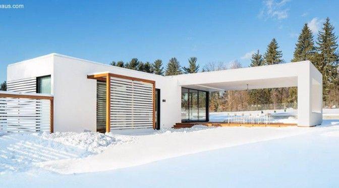 La casa cubierta de nieve