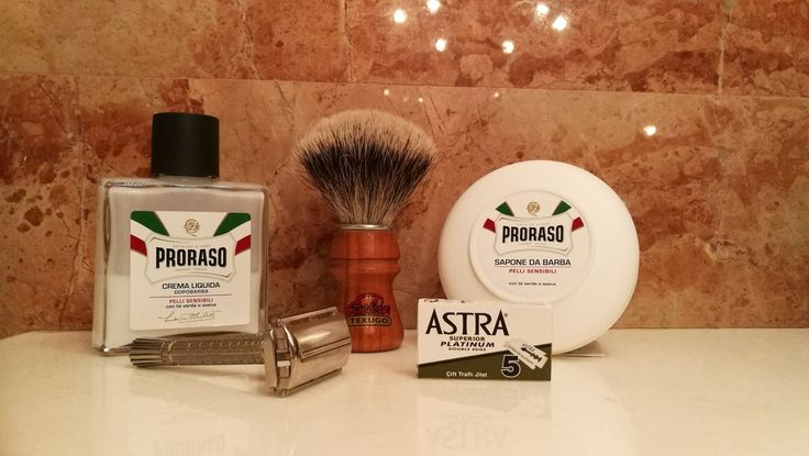 Proraso white soap, proraso white aftershave balm, semoque 2015 badger brush, Gillette superspeed flare tip 1962, Astra superior platinum blades