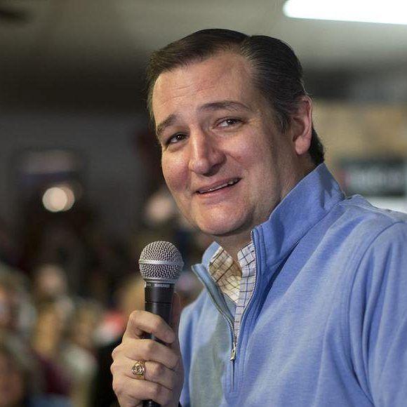 Le très #conservateur sénateur du #Texas @sentedcruz a remporté ce lundi les #élections primaires républicaines de l'#Iowa selon les télévisions américaines. Le milliardaire et roi des sondages @realdonaldtrump et le sénateur @marcorubiofla étaient au coude à coude pour la deuxième place. [Crédits photo : @jaechongpix / AP] by lefigarofr