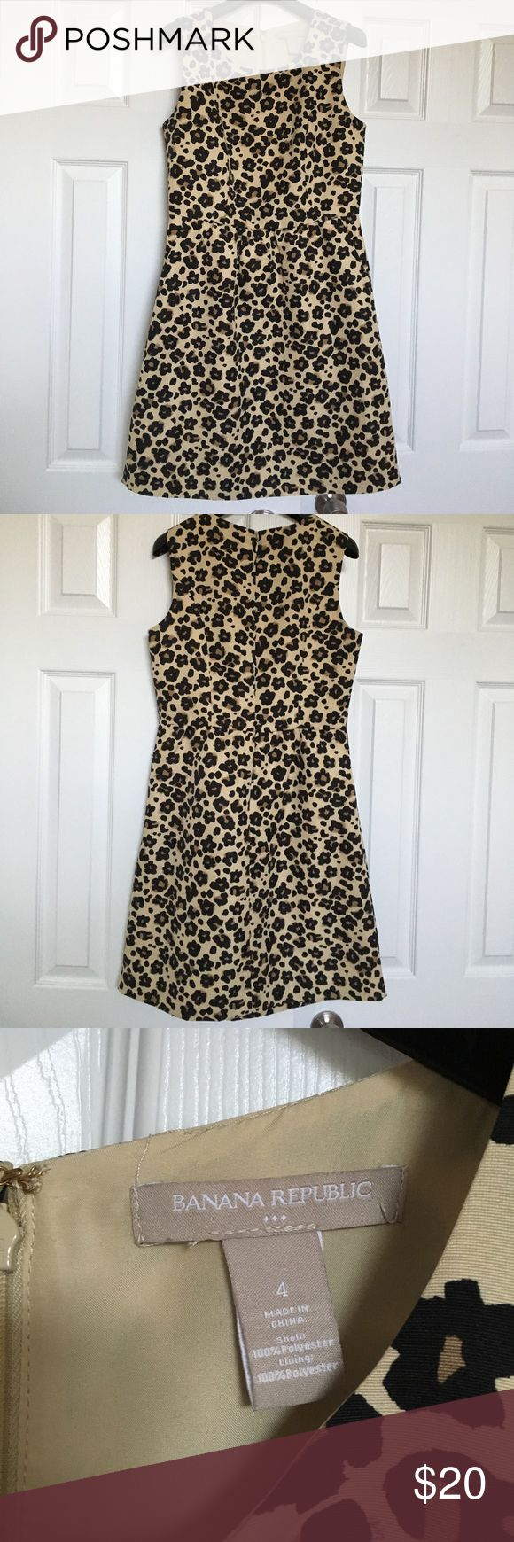 Banana Republic Sleeveless Cheetah Print Dress Banana Republic sleeveless cheetah print dress. Dress has pockets and shows no signs of wear. Cute by itself or with a collared shirt layered underneath. Banana Republic Dresses