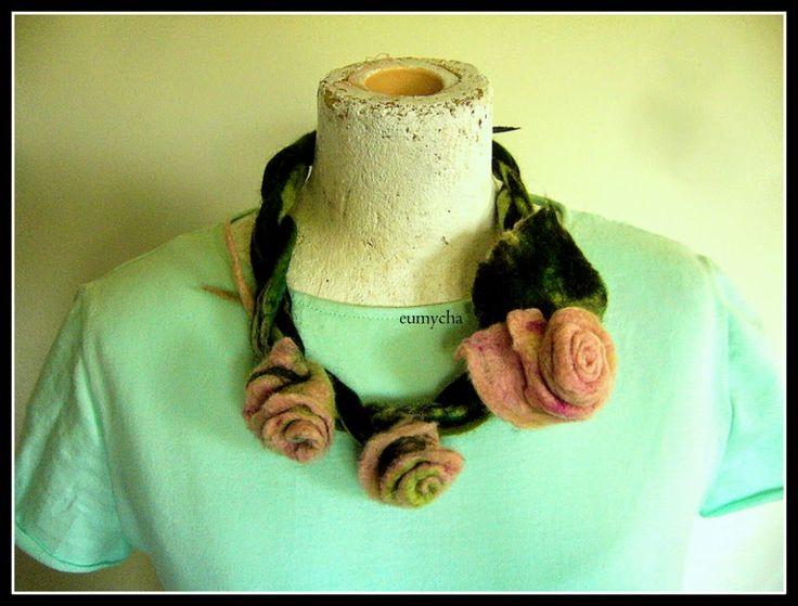 Robótkowy Świat Eumychy: Miętowa sukienka+ naszyjnik z róż.
