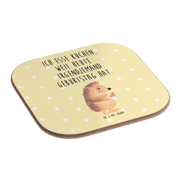 """Quadratische Untersetzer Igel mit Kuchenstück aus Hartfaser  natur - Das Original von Mr. & Mrs. Panda.  Dieser wunderschönen Untersetzer von Mr. & Mrs. Panda wird in unserer Manufaktur liebevoll bedruckt und verpackt. Er bestitz eine Größe von 100x100 mm und glänzt sehr hochwertig. Hier wird ein Untersetzer verkauft, sie können die Untersetzer natürlich auch im Set kaufen.    Über unser Motiv Igel mit Kuchenstück  Unser kleiner Igel aus der """"Small World"""" - Kollektion findet immer einen…"""