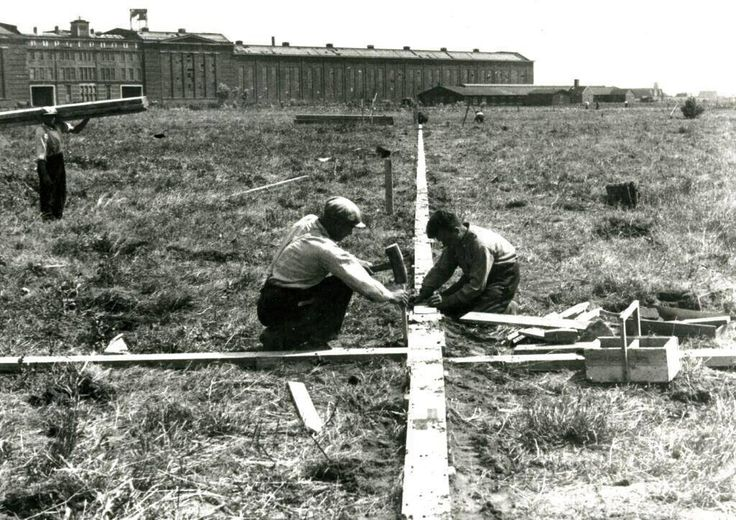 Eerste handelingen met betrekking tot de bouw van de Kuip
