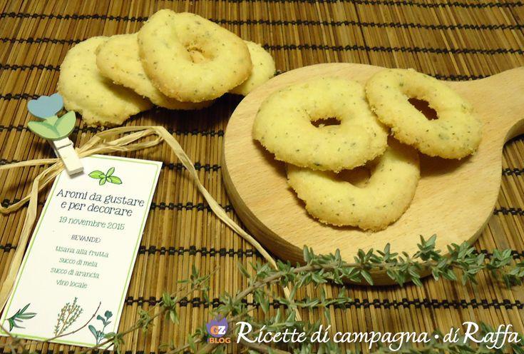 I biscotti al timo senza glutine sono particolarmente friabiliche contengonofarina di risoeamido di mais, ottimi per una colazione o una pausa.