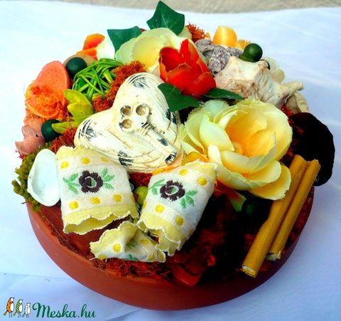 Asztaldísz kerámia szívvel, termésekkel és virágokkal (pinkrose) - Meska.hu