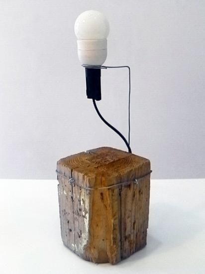 lampada di design minimalista artigianale in legno e ferro lampada di design minimalista legno e ferro bianco,old wood  metal handmade