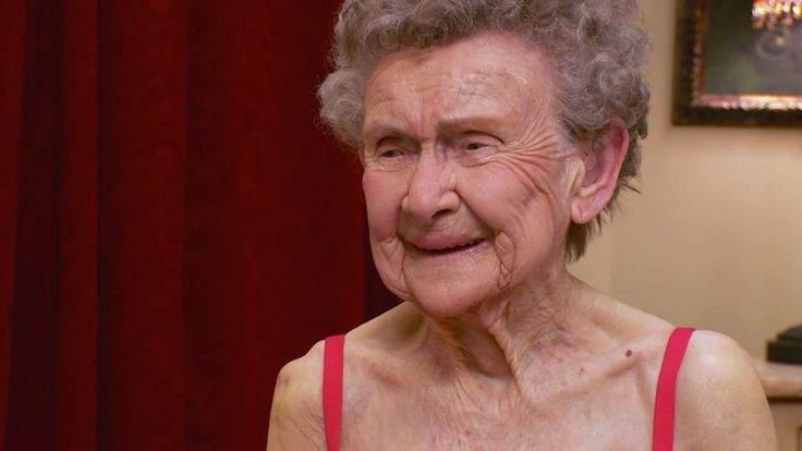 Watch the Molly Helps a 109 Year-Old Woman with a Bra video clip from Season 2, Episode 1 of Lifetime's series Double Divas. Find this and many more videos only on Lifetime.