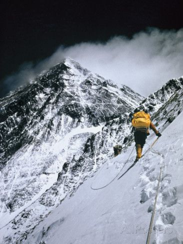 Climbers, 25,000 Feet Up, Push on Toward the Summit of Mount Everest Fotoprint van Barry Bishop - bij AllPosters.be