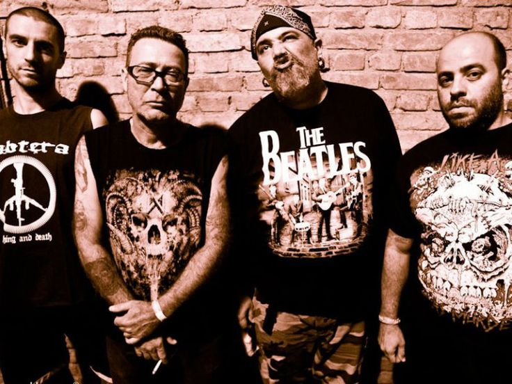 A mistura de punk, hardcore e grindcore da banda Ratos de Porão e o death metal do duo Test chegam à Choperia do Sesc Pompeia.