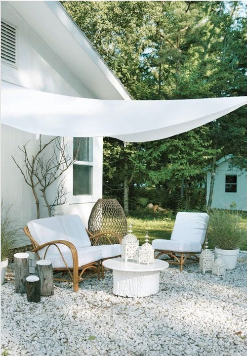 White Garden Furniture: White Garden Space