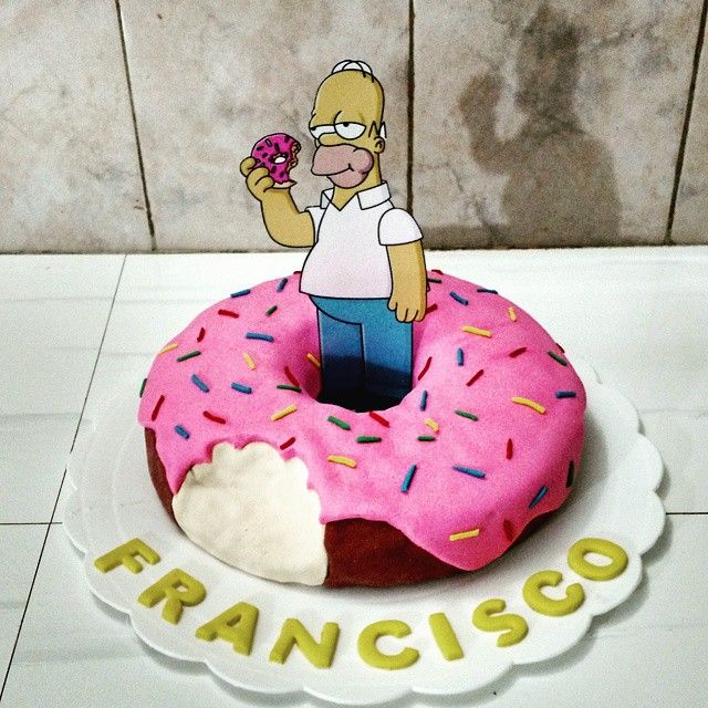 Torta fanatico del los Simpson. #Homero #Simpson #poncakes #torta #cupackes