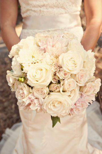 https://flic.kr/p/bYdQfm | soft blush romantic wedding bridal bouquet innocence girly garden roses