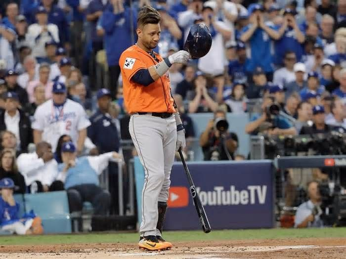 Yuli Gurriel tips his helmet to Yu Darvish in first at bat against him since racist gesture Yuli Gurriel made a racist gesture towards Dodgers pitcher Yu Darvish during Game 3 of the World Series In his first at bat against Darvish in Game 7, Gurriel appeared to acknowledge his mistake, tipping his helmet Yuli Gurriel tipped his helmet to Yu ...