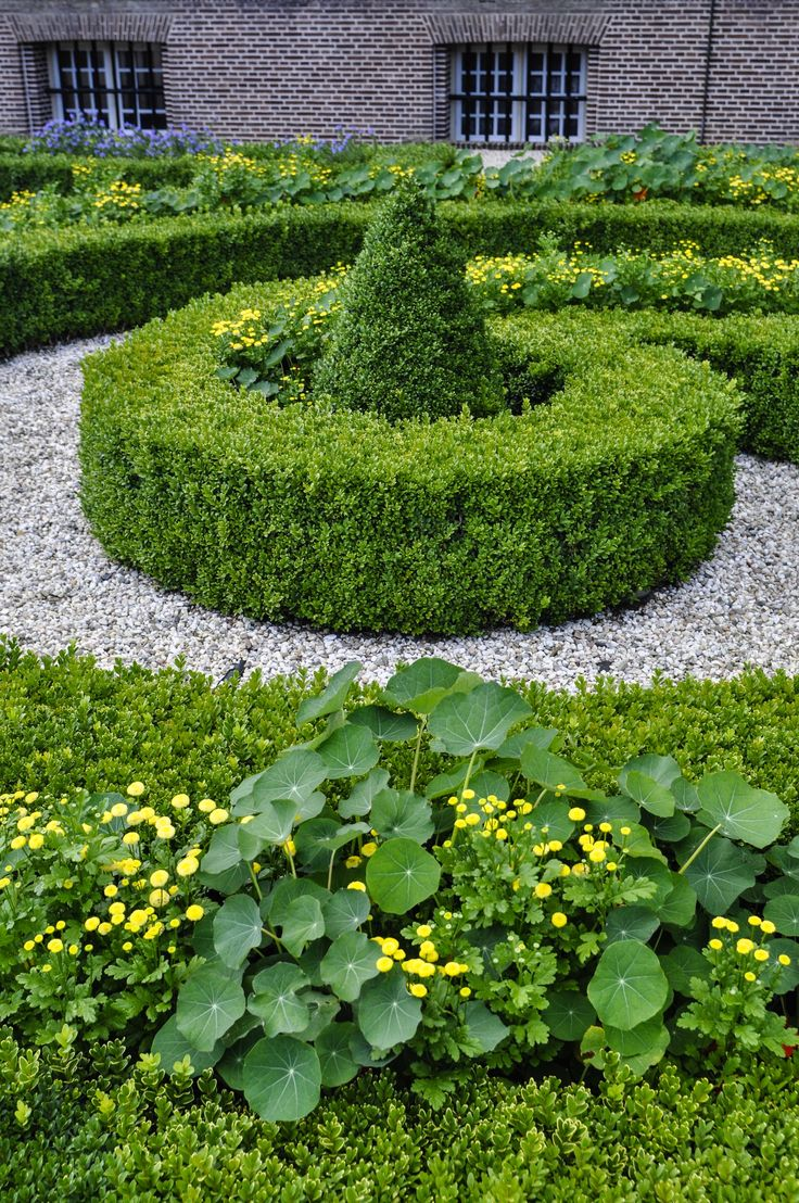 118 best parterres & knot gardens images on pinterest | formal