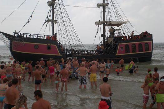 Arriva la nave dei pirati a Bibione!