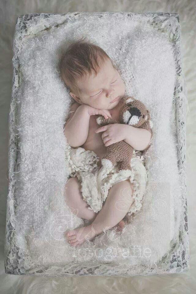 Newborn, bear, baby, lace, teddybear,  beertje, shoot, photo, sisu, www.sisufotografie.nl