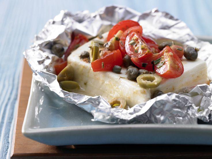 Köstlicher griechischer Klassiker mit unwiderstehlichem Duft: Gebackene Schafskäse-Päckchen mit Rosmarin und Tomaten - smarter - Kalorien: 190 Kcal | Zeit: 15 Min. #sommer #grillen #vegetarisch #vegetarian