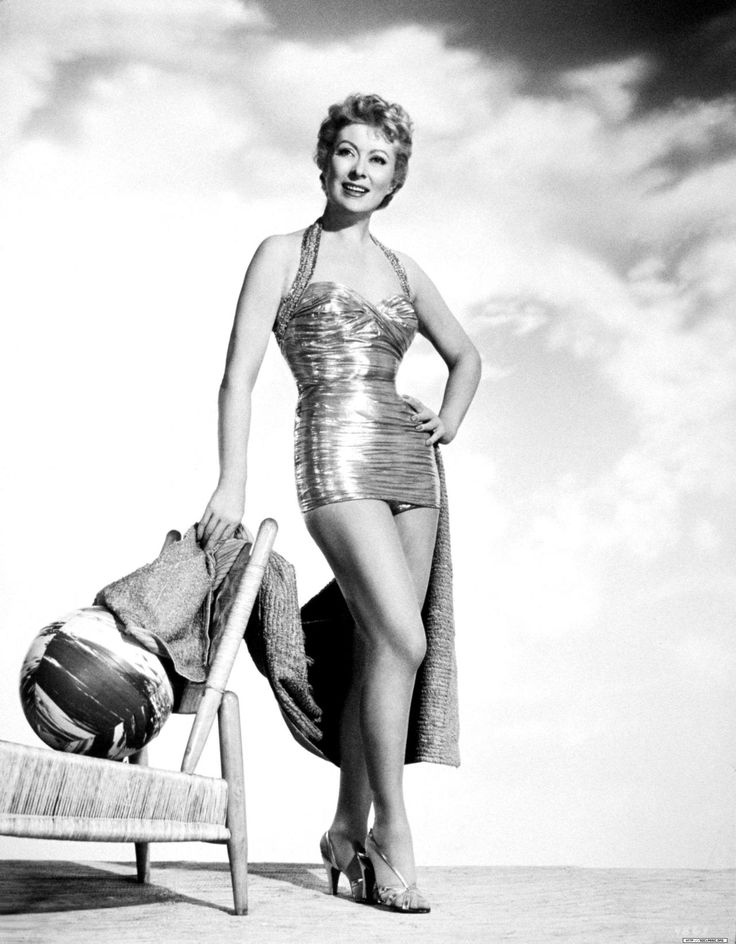 Greer GarsonHollywood Beautiful, Hollywood Bath, Hollywood Stars, Greer Garson Metals, Classic Hollywood, Bath Beautiful, Garson Metals Swimsuits Stands