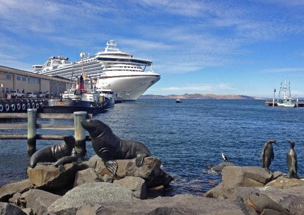 The Diamond Princess cruise ship docked at Princes Wharf in Hobart. Article for Think Tasmania.