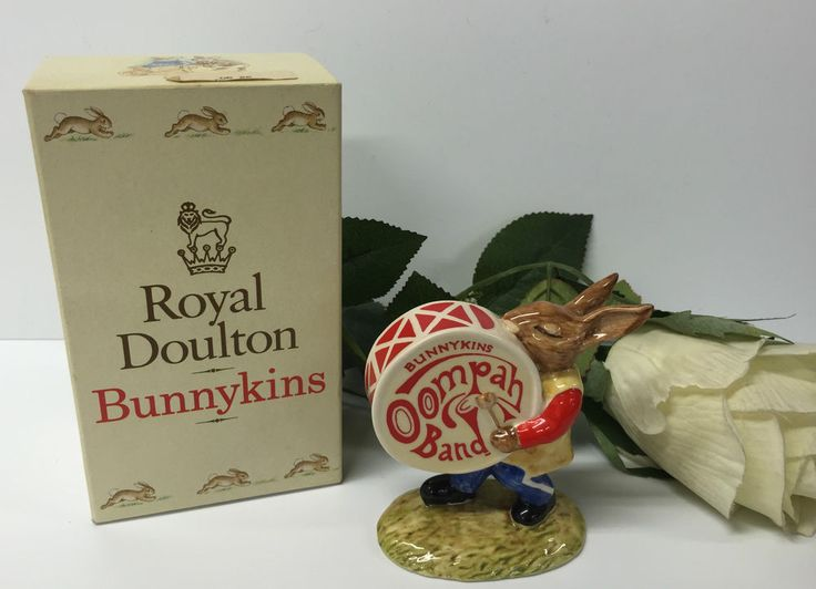 BEAUTIFUL BOXED  DRUMMER  OOMPAH BAND BUNNYKINS BY ROYAL DOULTON 1983 ISSUE DB26