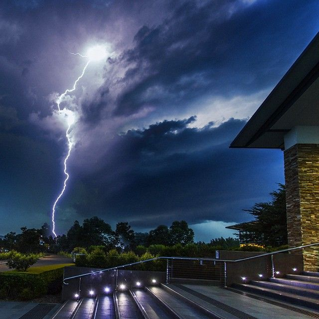 The Lighting storm @ Crowne Plaza, Hunter Valley, NSW