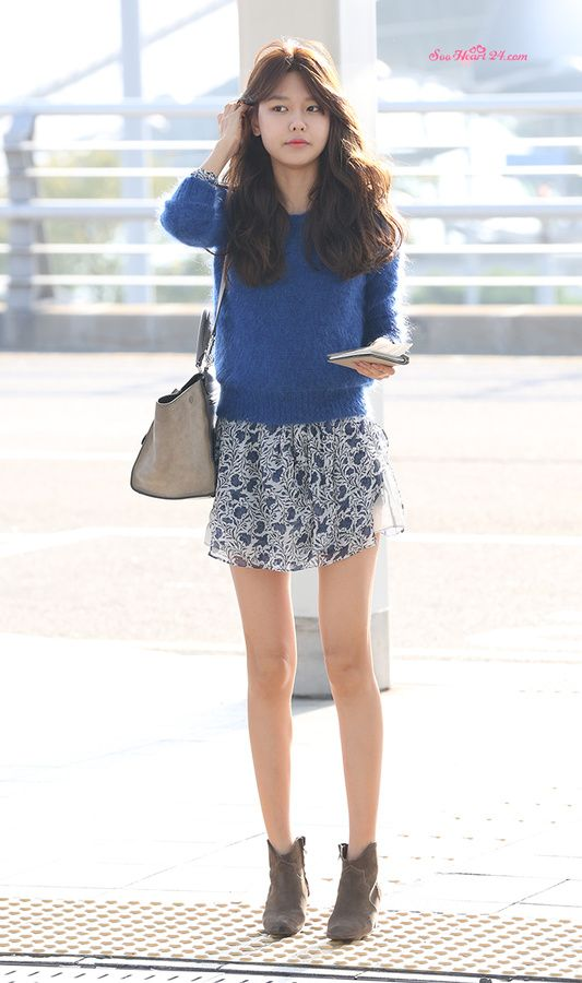 SNSD's Sooyoung // sweater layered over summer floral dress for fall
