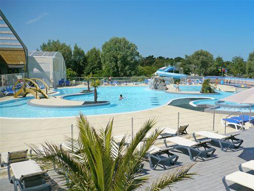 Les 25 meilleures id es concernant toboggan de piscine sur for Camping poitou charente piscine