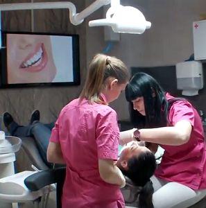 Качественное и безболезненное удаление зубов мудрости (Краснодар)   http://www.dentiklux.ru/udalenie-zubov-mudrosti-krasnodar.html ... В случае если вам крайне необходимо удаление зубов мудрости (Краснодар), то обратитесь в «ДЕНТиК Люкс». Специалисты нашей стоматологии проведут удаление в самые сжатые сроки с минимальными последствиями для вашего здоровья. Примерные цены на услуги клиники вы можете посмотреть на сайте или узнать по телефону 8 (861) 210-10-03. Окончательную стоимость озвучит…