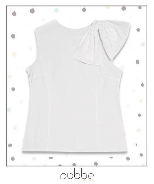 En #NubbeClothes incluimos pequeños detalles, como este lazo, en las camisas básicas para hacerlas especiales. ¡Apuesta por ellas!