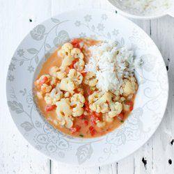 Curry z kalafiorem i pomidorami | Kwestia Smaku