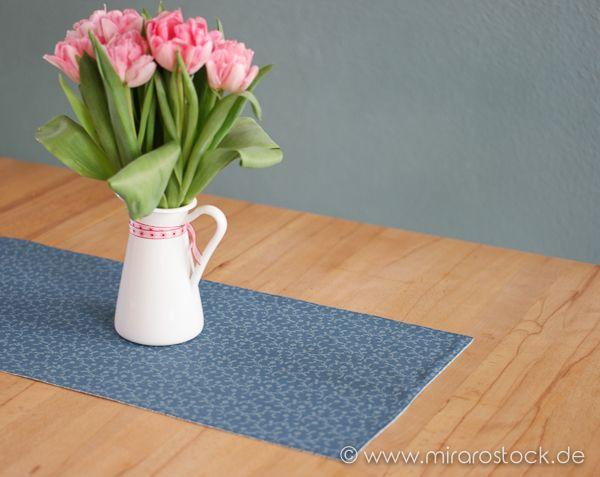 Schnell einen neuen Tischläufer nähen aus den schönen Baumwollstoffen von Au Maison.