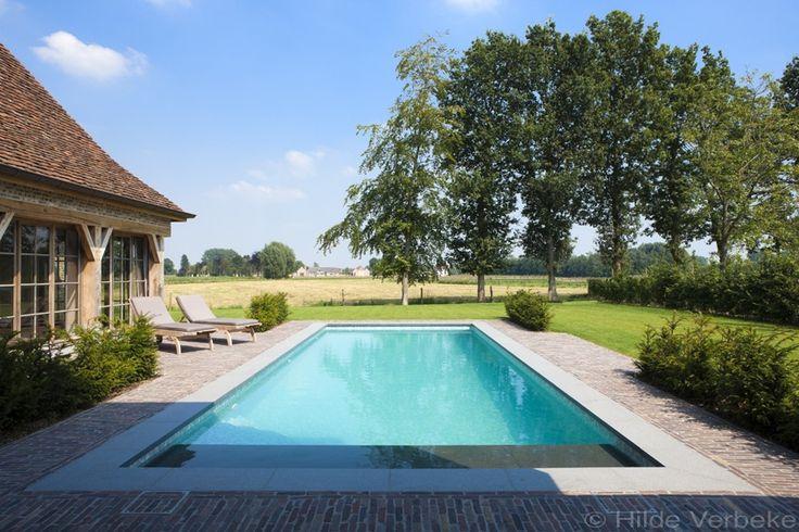 skimmer zwembad met liner in mozaïekmotief, buitenzwembad aanleggen | De Mooiste Zwembaden