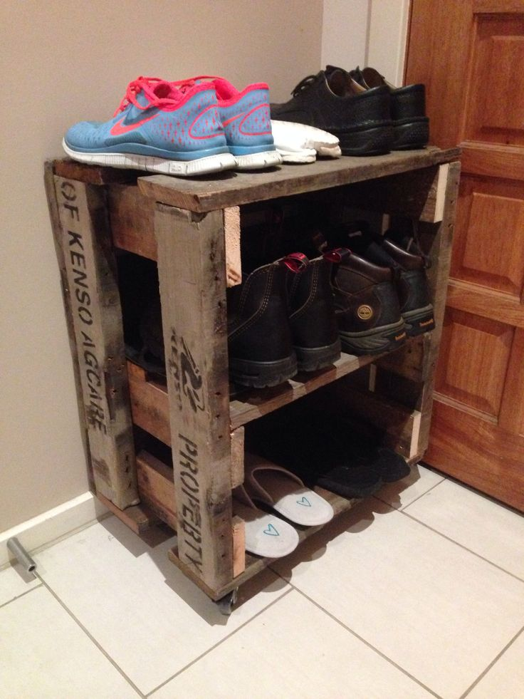 Shoe rack made with recycled timber from old pallets