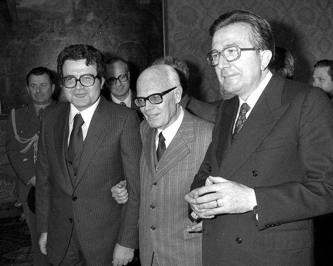 Da S. Pertini al 'complotto del Britannia': pieghe nascoste della storia contemporanea