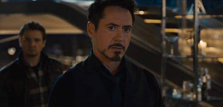 """Robert Downey Jr. havia avisado que tinha um grande anuncio para fazer e muitos tentavam adivinhar o que seria. Pois bem, o Homem de Ferro está dando inicio a uma rifa beneficente onde o grande prêmio é acompanhá-lo no tapete vermelho da estreia mundial de Vingadores: Era de Ultron, em Los Angeles! """"Skydiving indoor, café …"""