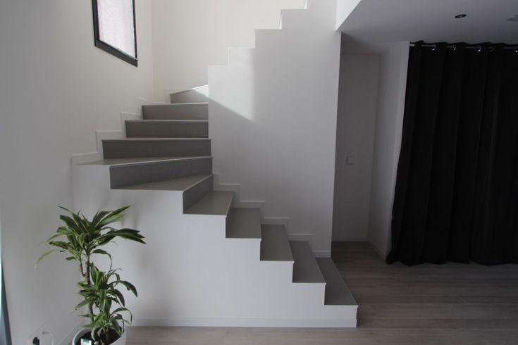 Escalier avec les plinthes - Contemporaine dans l'ouest toulousain par Kaolla31 sur ForumConstruire.com