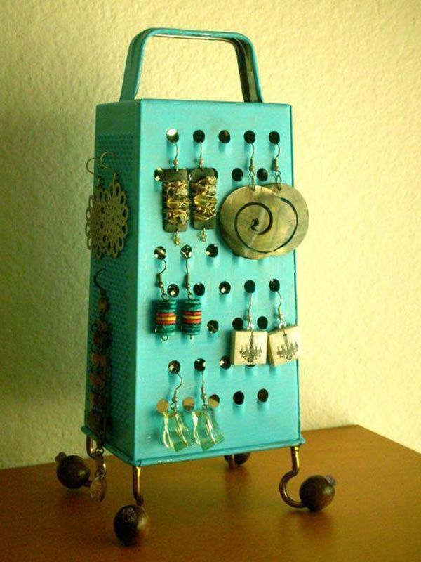 ...: Ideas, Earring Holders, Grater Earring, Cheese Grater, Diy, Jewelry Holder, Crafts, Earrings