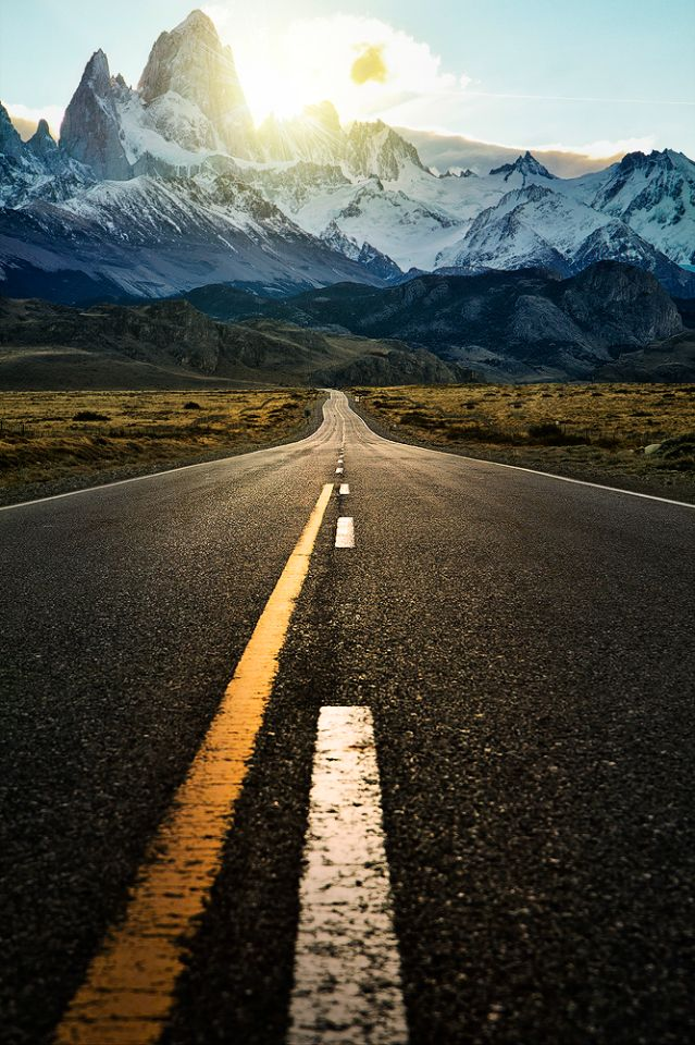 The road to fitzroy tall, El Chalten, Patagonia Argentina