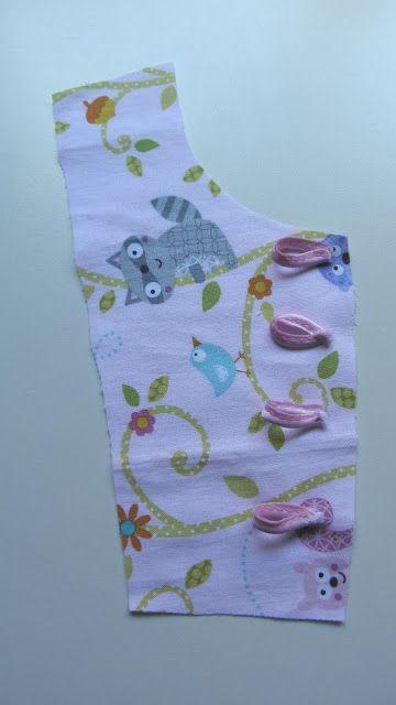 La pequeña aprendiz: Tutorial para coser una blusita de niña