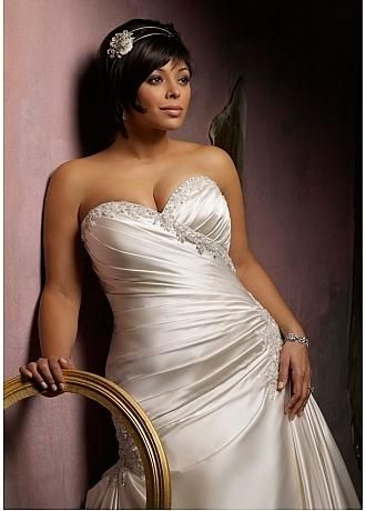 Dress for the Curvy Bride. - This pose allows the lighting to accentate, the slight tilt of the body elongates the hip, and the shoulder is turned slightly away, minimizing the appearance of a long and hard torso.