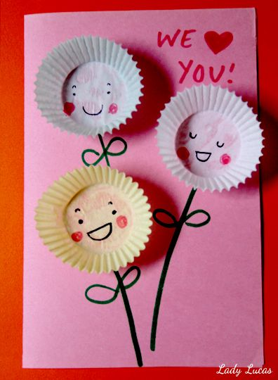 Cupcake Liner Cards for Mom | Time to Create with Lady Lucas - JCFamilies #MothersDayCraft #CupcakeLinerCards