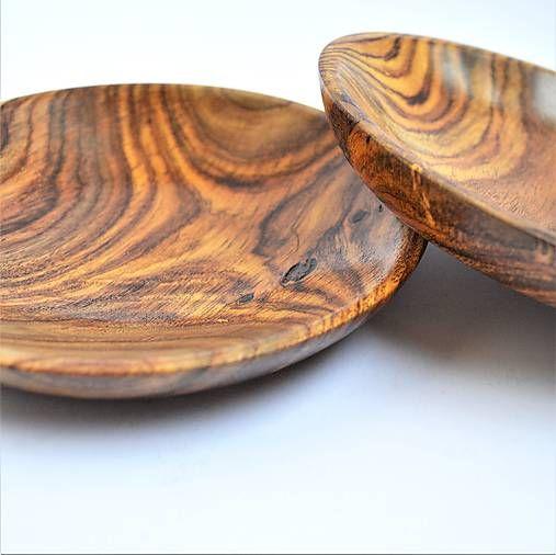 Sada dvoch drevených tanierikov Tali