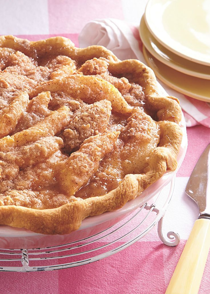 With a delicate crumble topping and warmly spiced pear filling, this shortcut pie would fit in nicely on a Thanksgiving buffet or as a fall dinner-party dessert.