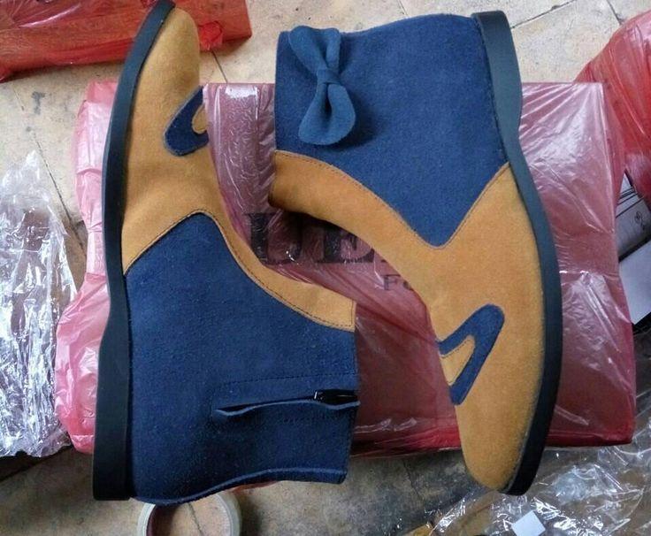 #SepatuKulit #Boots Wanita by #SMO  Ready!!!grab it fast!!! Size 40 IDR 180.000 only!! Selamat beraktifitas... untuk po kurleb 2mgu  WA: 081287980801 BBM: D6D5E24A  #SepatuKulitAsli #SepatuBoots #SepatuCewek #BootsCewek #SepatuMagetan #JualSepatu #SepatuMurah #SepatuAkhwat #HiddenHeels #SepatuCustom #SepatuKantor #SepatuOriginal #SepatuKulitAsli #Shoes #BootsShoes #WomensShoes #LeatherCraft #LeatherShoes #Footwear #HandMadeShoes #SepatuMooID