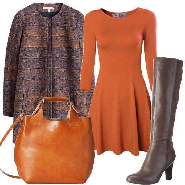 Questo look è ispirato al paesaggio che ci circonda in questa stagione dell'anno. Il vestitino con gonna a ruota è abbinato ad un cappottino dai colori caldi, a degli stivali marroni e ad una borsa in vera pelle color cuio.