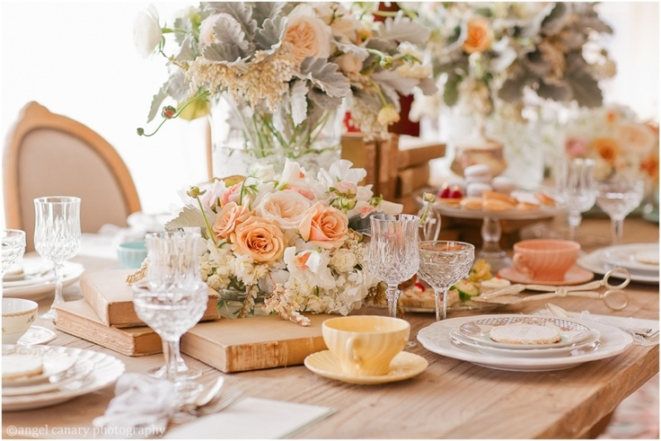 love the colorsWedding Tables, Random Pictures, Tables Sets, Country Home, Afternoon Teas, Southern Charm, Peaches, Teas Parties, Flower