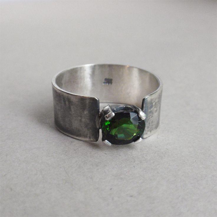 Mirto - кольцо из серебра 925 с натуральным зеленым турмалином, зеленый турмалин, серебро ручной работы, серебряное кольцо, кольцо с зеленым камнем