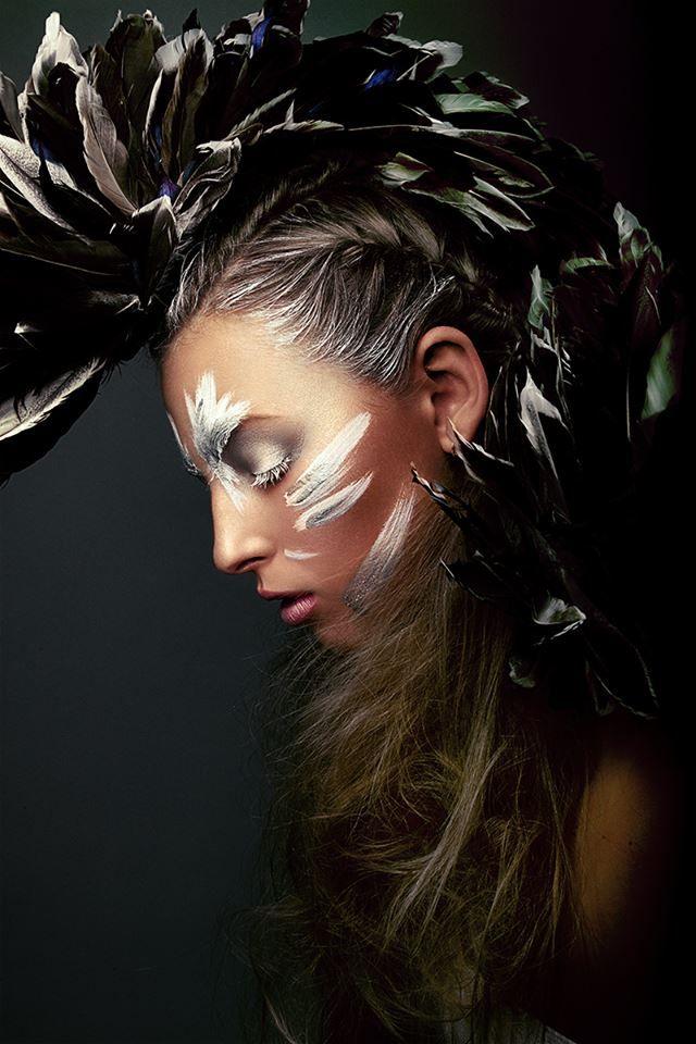 Photographer: Fotograf Frank Jurisch Headpiece: diejuju Makeup: Katrin Kloßek Hair & Make up Artist Model: Zoé Paula Assistant: Lichtwellentanz Fotografie, Sam Figueroa